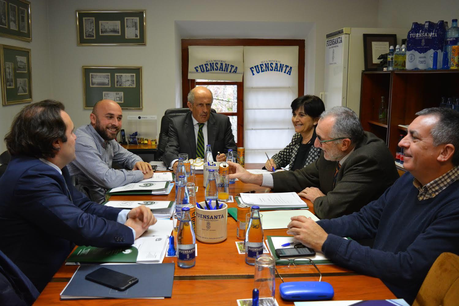 Reunión del patronato de la Fundación Oso de Asturias en el Balneario de Fuensanta