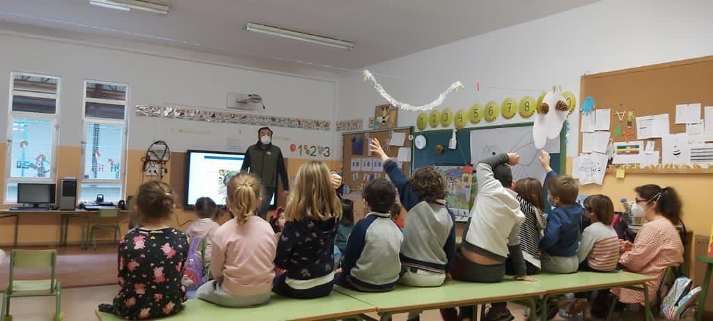 La Fundación Oso de Asturias continúa con su programa de educación ambiental, adaptado a todas las necesidades