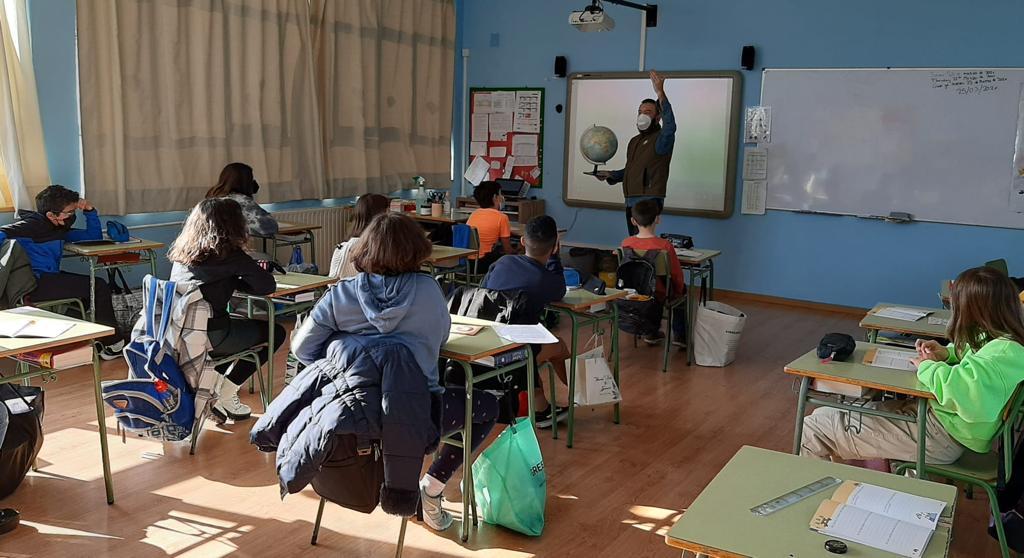 'El oso en tu escuela' llegó a 1.843 alumnos de 15 centros educativos durante el segundo trimestre del curso escolar